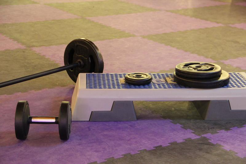 le mat riel de musculation pour pratiquer p66. Black Bedroom Furniture Sets. Home Design Ideas