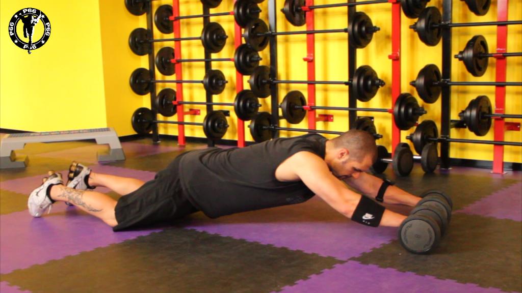 Comment se muscler les abdos avec des haltères